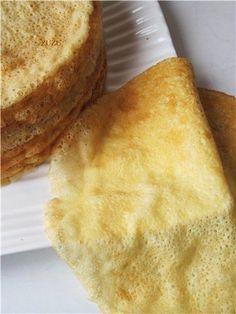 """СУПЕРТОНКИЕ БЛИНЧИКИ БЕЗ МУКИ """"ЛЮБАНЯ""""от поэтессы Ларисы РубальскойИнгредиенты:- молоко - 0,5 л;- яйца - 3 штуки;- крахмал картофельный - 6 ст. ложек;- масло растительное - 3 ст. ложки;- сахар - 1-2 с…"""
