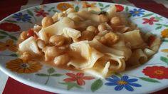 """""""Tagliatelle e ceci"""" https://lagraziaintavola.wordpress.com/2015/09/09/tagliatelle-e-ceci-alla-grazia/ Da """"la Grazia in tavola"""""""