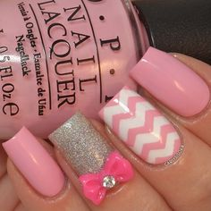 Cute pink bow and chevrons Find your nail art supplies here https://www.etsy.com/shop/LaPalomaBoutique