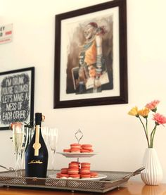 party, decor, macarons, champagne, sparkling wine, friends over, festa, espumante, decoraçao, receber amigos.