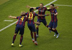 Una apertura a la izquierda de Messi a Neymar permitió al brasileño ver la internada de Iniesta. El internacional español asiste a Rakitic para que ponga el 0-1 el marcador.  http://www.rtve.es/champions