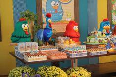 decoracao-mesa-festa-galinha-pintadinha