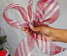 How to Make a Christmas Tree Topper Bow eHow Christmas Tree Decorations To Make, Diy Christmas Tree Topper, Xmas Tree Toppers, Diy Tree Topper, Ribbon On Christmas Tree, Christmas Ribbon, White Christmas, Christmas Wreaths, Christmas Crafts