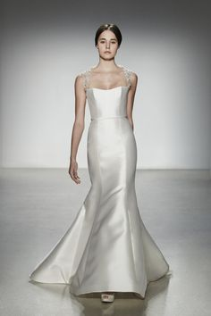 What's Your Personal Wedding Style - QUIZ | Modern Bridal Gown http://mavenbride.com/personal-wedding-style-quiz/