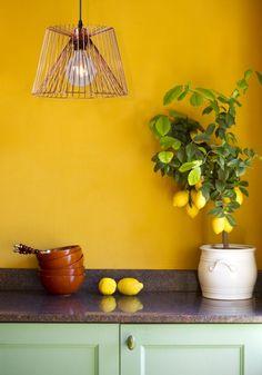 Magnifique suspension élégante  http://www.caroetcie.com/la-maison-de-caro/542-suspension-vinti-de-chez-lucide.html