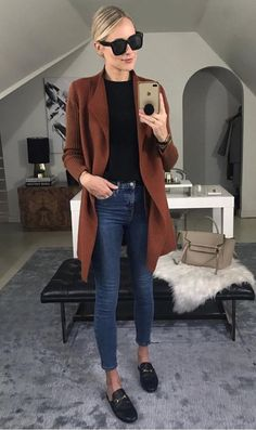 #winterstyle#winterfashion#winteroutfit#ilymixAccessories Mode Simple, Brown Cardigan, Orange Cardigan Outfit, Everyday Fashion, Everyday Outfits, Ny Winter Fashion, Autumn Winter Fashion, Winter Style, Saturday Outfit