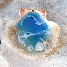 Your place to buy and sell all things handmade Seashell Crafts, Beach Crafts, Fun Crafts, Crafts For Kids, Diy Resin Crafts, Beach Wedding Decorations, Ring Dish, Handmade Shop, Resin Art