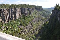 Welcome to Ouimet Canyon Provincial Park Travel English, Ontario Travel, Lake Superior, Rock And Roll, The Good Place, Places To Visit, Canada, Earth, Explore