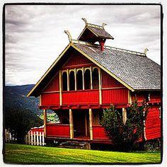 Stabbur #stabbur #dragestil #architecture #arkitektur #bagn (Anders SB) Tags: architecture arkitektur bagn stabbur dragestil uploaded:by=flickstagram instagram:photo=790558000150311749202339955