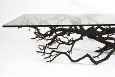 A paixão do designer por árvores é antiga, como nesses outros móveis que tiveram a mesma inspiração.