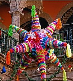 I'd love to watch the kids break a pinata, a tradition for Christmas Eve in #Mexico.