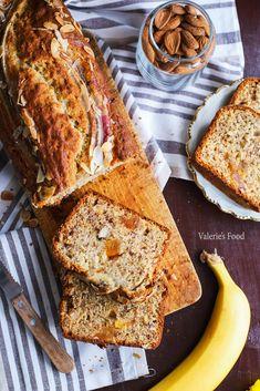 BANANA BREAD (chec cu banane) CU FRUCTE USCATE ȘI MIGDALE I Rețetă + Video – Valerie's Food Banana Bread Reteta, No Cook Desserts, Baking Recipes, Sandwiches, Deserts, Sweets, Cookies, Food, Baby