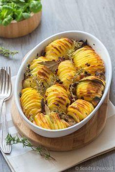 Pommes de terre rôties croustillantes Healthy Breakfast Potatoes, Crispy Potatoes, Cooking Recipes, Healthy Recipes, Healthy Food, Cordon Bleu, Food Inspiration, Great Recipes, Favorite Recipes