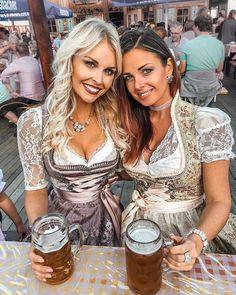 Octoberfest Girls, Oktoberfest Beer, German Beer Festival, Beer Girl, Dirndl Dress, German Women, Traditional Dresses, Lady, Celtic