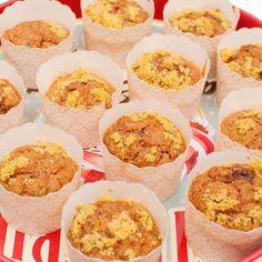 Muffins med tomat og basilikum