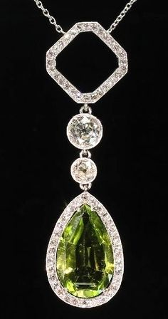 Platinum necklace Art Deco diamond pendant with pear shape peridot