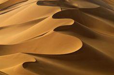 """""""une émotion mystique m'habite en mes pensées sur mon désert,mon thé à la menthe,mes souvenirs,ma vie si heureuse...""""désert,sahara,grand erg oriental,antoine de saint-exupéry,théodore monod,sud,tunisie,méharée,caravane,nomade,bédouin,trek,trekking,routard,voyage forum,tente bédouine,chameau,chamelle,dume,dune,erg,reg,source,puits,sif es souane,sif essouane,timbain,huidhat erreched,elmida,dekenis elkebir,dekenis esseghir,oummi henda,aouinat ..."""