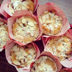 Mädchenkram: Gebacken: Marzipan-Kirsch Muffins {vegan}