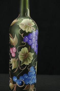 750 ml Handpainted Lighted Wine Bottle / Grapes And Vines - Bottle Crafts Wine Bottle Design, Wine Bottle Art, Painted Wine Bottles, Lighted Wine Bottles, Bottle Lights, Wine Bottle Crafts, Decorated Bottles, Bottle Centerpieces, Bottle Painting