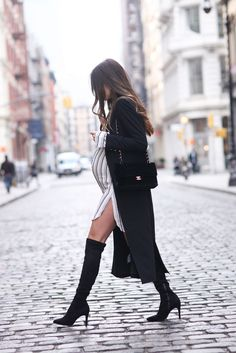 Comfy and Stylish Maternity Outfits Street Style Looks - Street Style Outfits Stylish Maternity, Maternity Wear, Maternity Fashion, Maternity Style, Stylish Pregnancy, Maternity Photos, Pregnancy Looks, Pregnancy Outfits, Pregnancy Fashion