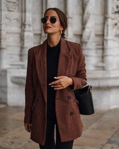 30 minimalist outfit ideas for autumn - for . - Over 30 minimalist outfit ideas for fall – -Over 30 minimalist outfit ideas for autumn - for . - Over 30 minimalist outfit ideas for fall – - 6 Office Holiday Party Outfits to Try Looks Style, Looks Cool, Look Fashion, Autumn Fashion, Womens Fashion, Ladies Fashion, Fashion Black, Vintage Chic Fashion, Classy Fashion