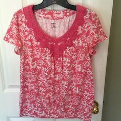 """⚡️bundled. Style & co. crochet v-neck detail ⚡️Style & co. size medium, 60% cotton, 40% modal, V neck crochet detailing, short sleeve, pink and white shirt.19"""" arm pit to arm pit, bust 19"""", 24"""" from shoulder to hem. ⚡️ Style & Co Tops Tees - Short Sleeve"""