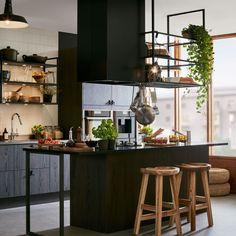 Bohemian Kitchen Design Ideas - Modernatty [dot] com Loft Kitchen, Wooden Kitchen, Kitchen And Bath, Kitchen Interior, Kitchen Dining, Kitchen Decor, Latest Kitchen Designs, Bohemian Kitchen, Cocinas Kitchen