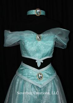 Jasmine Custom Costume by NeverbugCreations on Etsy Disney Dresses For Girls, Princess Costumes For Girls, Disney Princess Dresses, Girls Dresses, Prom Dresses, Jasmine Costume Kids, Princess Jasmine Costume, Turtle Costumes, Pirate Costumes
