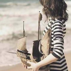 I think it would be even cuter with a little boy with the boat, so it looks like his dream of sailing one day Charles Trenet, Marine Look, Sail Away, Tall Ships, Favim, Belle Photo, Photos, Hipster, Kawaii