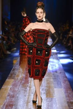 Jean Paul Gaultier Fall 2016 Couture Fashion Show - Maud Lefort (Marilyn)
