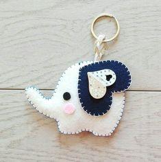 Felt keyring with elephant Felt keyring with .- Felt keyring with elephant Felt keyring with elephant Felt Crafts Patterns, Felt Crafts Diy, Felt Diy, Fall Crafts, Diy Keyring, Felt Keychain, Keychains, Sewing Toys, Sewing Crafts