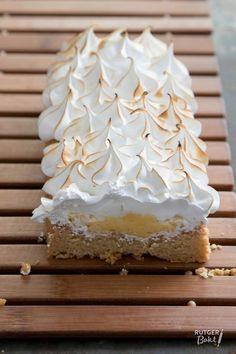 Banana and pecan cake - HQ Recipes Pie Cake, No Bake Cake, Banana Recipes, Cake Recipes, Merangue Cake, Just Desserts, Delicious Desserts, Meringue Recept, Baking Bad