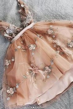 Tulle homecoming dress - Princess V neck Champagne Tulle Short Prom Dress with Handemade Flower – Tulle homecoming dress Sweet 16 Dresses, Pretty Dresses, Sexy Dresses, 1950s Dresses, Midi Dresses, Summer Dresses, Fall Dresses, Vintage Dresses, Awesome Dresses