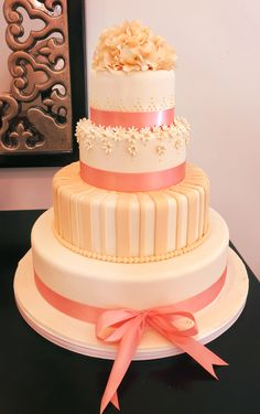 Coral wedding cake by Torrance bakery