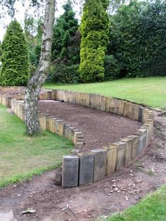 Daniel & Nicola's Landscap | Railway Hillside Landscaping, Outdoor Landscaping, Garden Edging, Garden Planters, Garden Art, Sloped Garden, Landscape Walls, Backyard Playground, Sleeper Retaining Wall