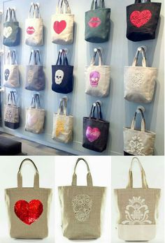 VM example of REPETITION (same bag in different variations creates a grid that catches the eye)Tote Bag Display - Bags have existed for hundreds of years and have been utilized by both women and men. Gift Shop Displays, Craft Show Displays, Craft Show Ideas, Handbag Display, Best Tote Bags, Jute Bags, Denim Bag, Market Bag, Shopper