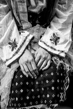 Simona Niculescu by Lili Sumanaru Danube Delta, Romania, Alexander Mcqueen Scarf, Lily, Fashion, Moda, La Mode, Fasion, Lilies