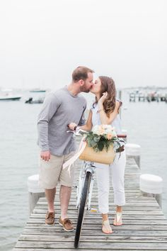 Photography: http://www.meredithjanephoto.com   Floral design: http://www.flowersonchestnut.com/   Read More: https://www.stylemepretty.com/vault/image/6268457
