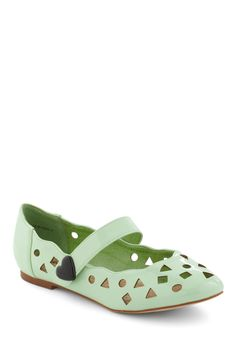 8. Work-perfect ModCloth shoes. Favorite color?! Plus it's a flat? Oh my. #modcloth #makeitwork