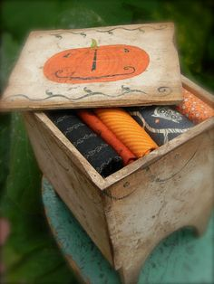 pumpkin box wooden primitive vintage hand painted by Notforgotten Farm
