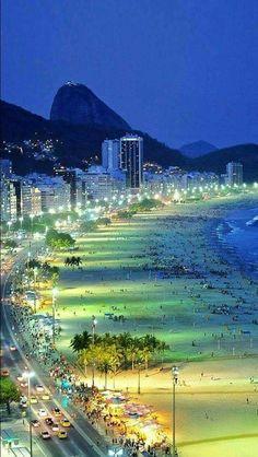 ❝ #FOTO - Así luce la noche de Rio de Janeiro, Brasil ❞ ↪ Vía: proZesa