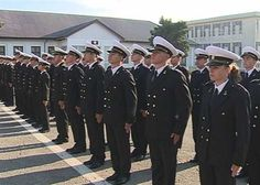 70 de studenti si elevi din anul I, viitori ofiteri si maistri militari ai Fortelor Navale Române, vor depune jurământul militar Captain Hat, Student, Hats, Fashion, Military, Moda, Hat, Fashion Styles, College Students