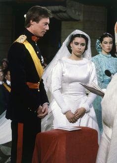 Cuando falta un mes para asistir a la Boda Real de Luxemburgo, recordamos el romántico enlace de los grandes duques Enrique y María Teresa