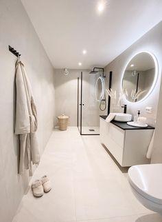 Modern Scandinavian Bathroom design ideas with White Vessel Sink and Beige Bath Robe via @casa_pedersen Vintage Bathroom Mirrors, Bathroom Wall Decor, Bathroom Styling, Bathroom Interior Design, Modern Scandinavian Interior, Scandinavian Bathroom, Scandinavian Design, Bad Inspiration, Bathroom Inspiration