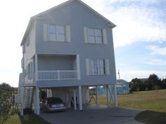 Carolina Beach - South End  Sleeps 10    1375  250 deposit 1 block from beach