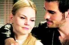 "Emma and Hook - 4 * 5 ""Breaking Glass"" #CaptainSwan"