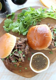 Beef brisket is coated in a coffee rub, slow cooked in a Guinness sauce, then shredded & served on buns for one scrumptious sandwich! Slow Cooker Recipes, Meat Recipes, Crockpot Recipes, Slow Cooker Brisket, Friend Recipe, Shredded Beef, Spring Recipes, Coffee Recipes, Guinness
