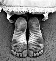 Os pés que me levam para o caminho de Oxalá.