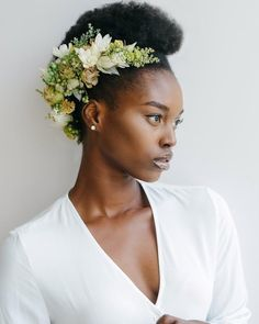 Flower Crown Bride, Floral Crown Wedding, Bride Flowers, Flowers In Hair, Flower Crowns, Flower Hair Accessories, Flower Jewelry, Black Bride, Hair Decorations