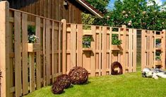 Privacy fence Garden fence AALBORG Trellis Birdhouse Shelf Fence Larch NEW ! Backyard Fences, Garden Fencing, Front Yard Landscaping, Wood Fence Design, Wooden Terrace, Fence Styles, Aalborg, Garden Bridge, Bird Houses